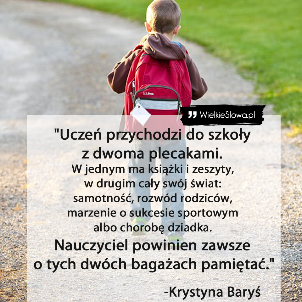 Uczeń Przychodzi Do Szkoły Z Dwoma Plecakami
